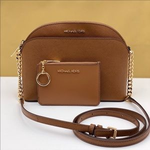 🌸Michael Kors MD Dome Crossbody & Coin Walllet